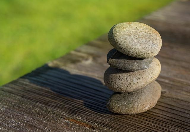 alternative Therapie - Gleichgewicht - Steine